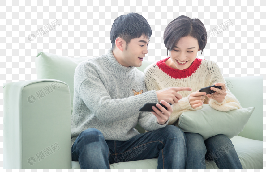 Young couples at home play cell phone games on the sofa png