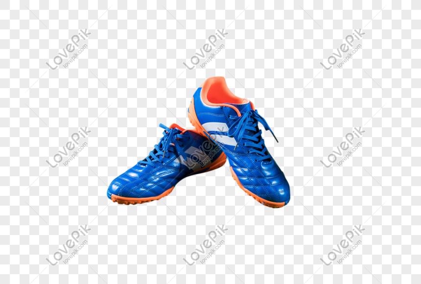 sepatu pertandingan sepak bola
