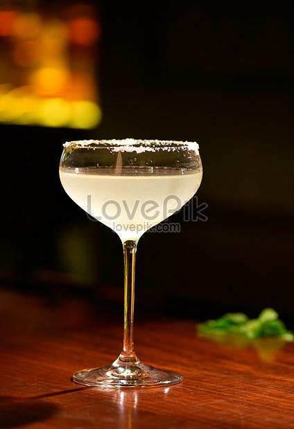 copo de bebida cristalina