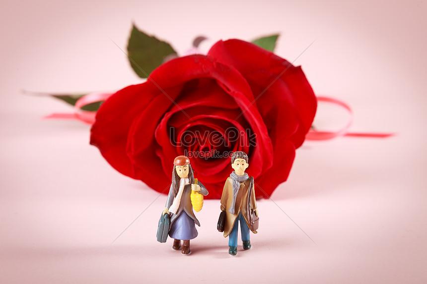 Photo De Couple De Dessin Animé Et Rose Rouge Numéro De L