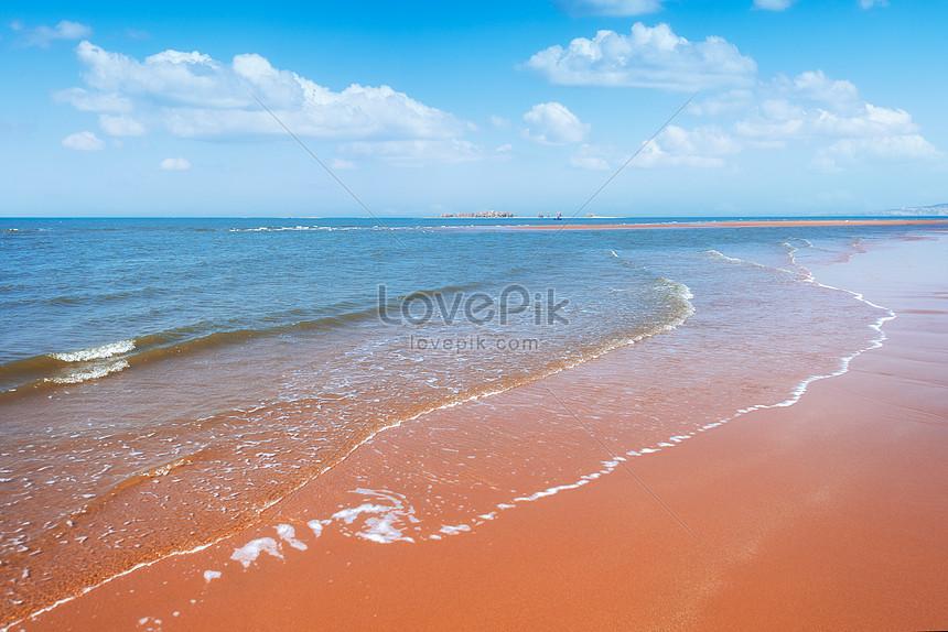 藍天白雲海浪灘塗