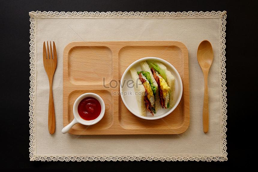 a nutritious breakfast sandwich