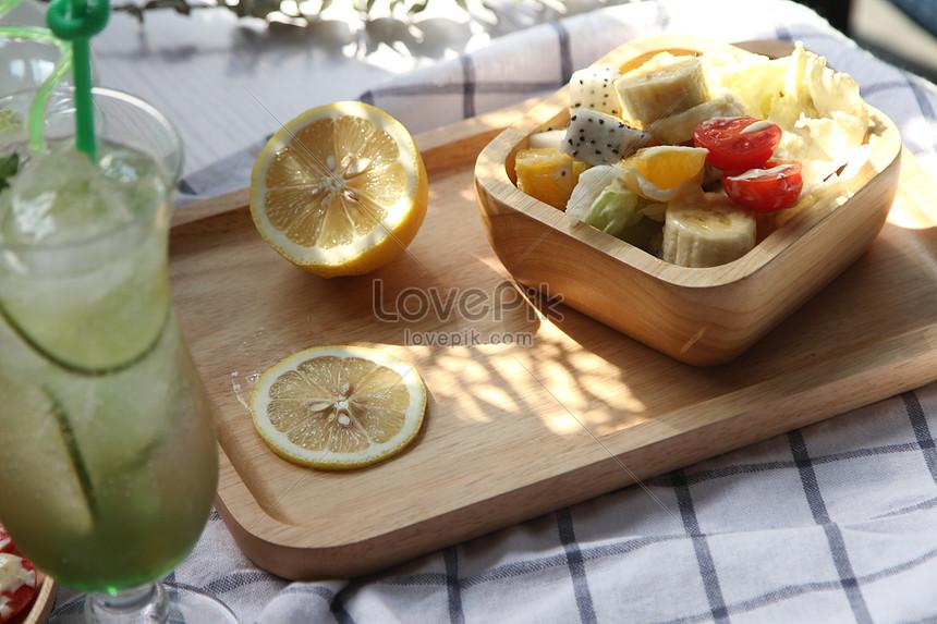 delicious breakfast fruit salad