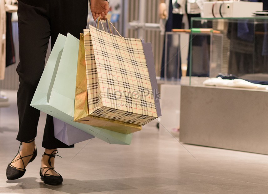 shopping and shopping with the hand of the shopping bag