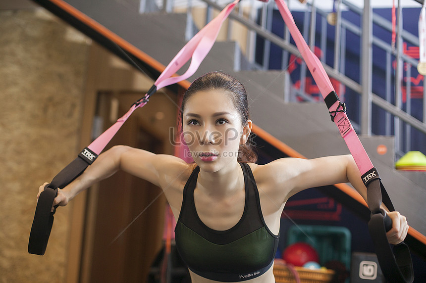 womens fitness exercise strength in the gym