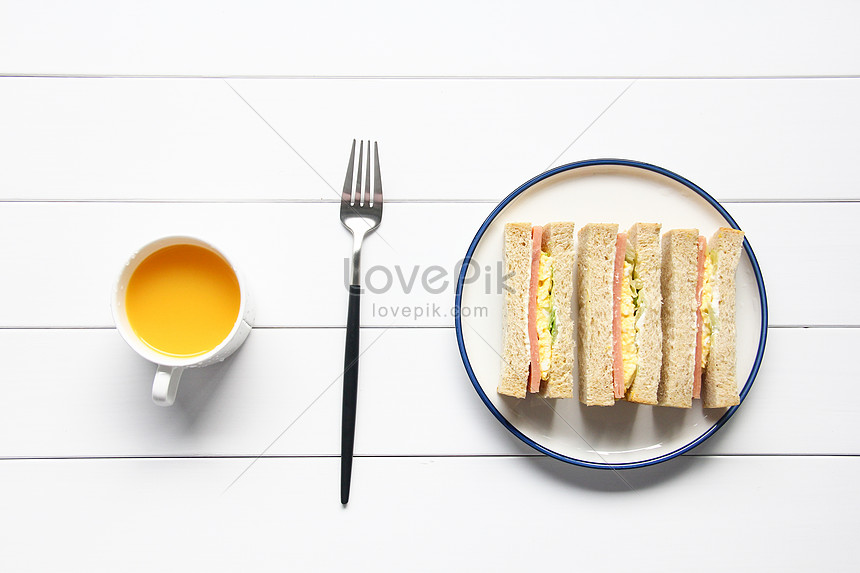 a delicious nutritious breakfast sandwich