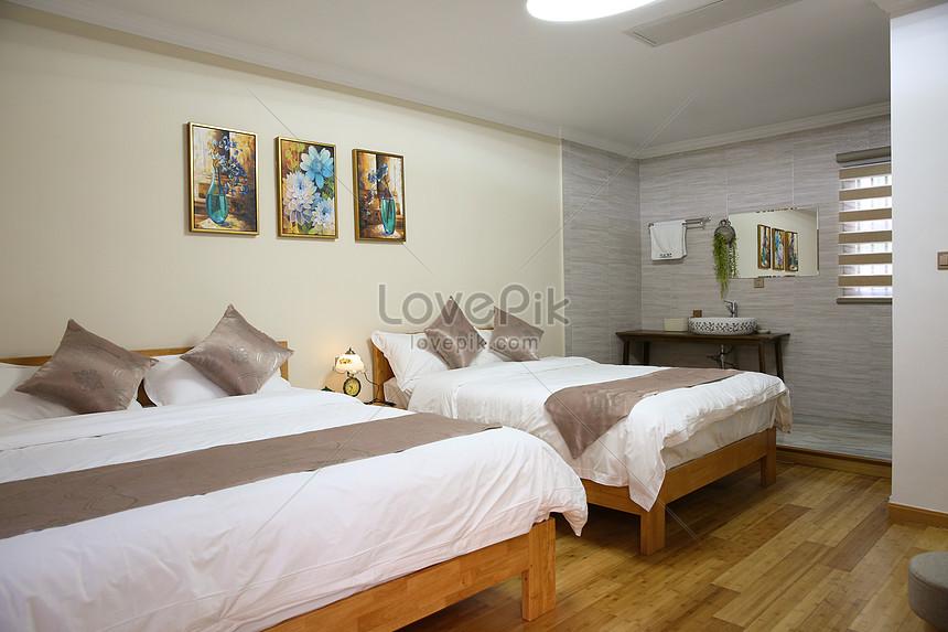 넓고 편안한 호텔 방 이미지 사진 500707340 무료 다운로드