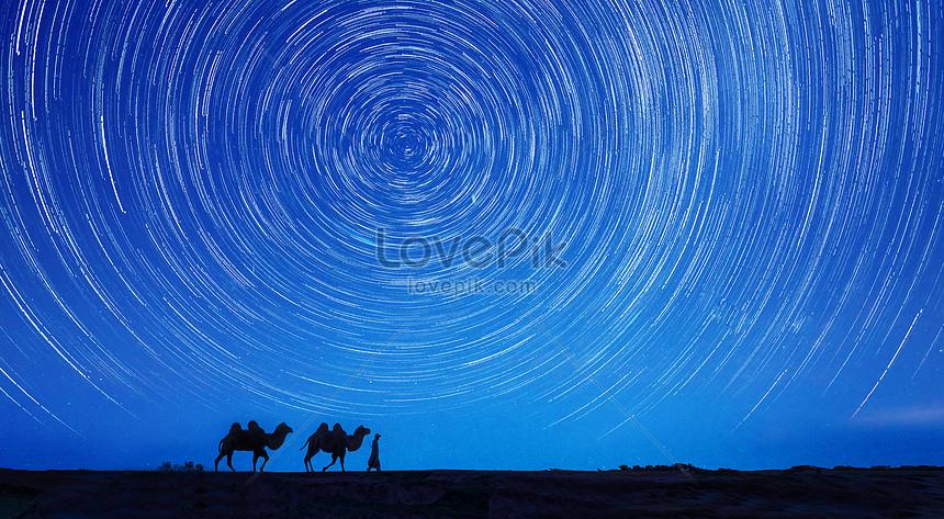 砂漠の夜空の星空