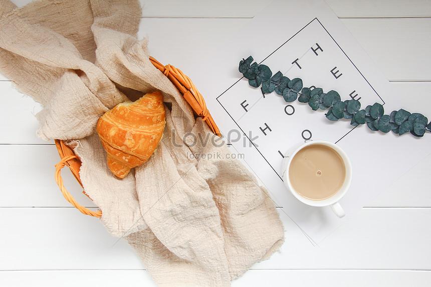 delicious nutritious ox horn bag breakfast