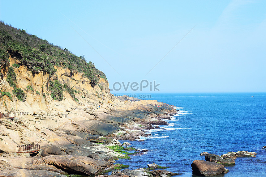 the sea view of wild willow park in keelung taiwan