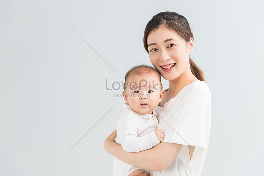 Mother And Child Hold The Baby Photo Image Picture Free Download 500962157 Lovepik Com