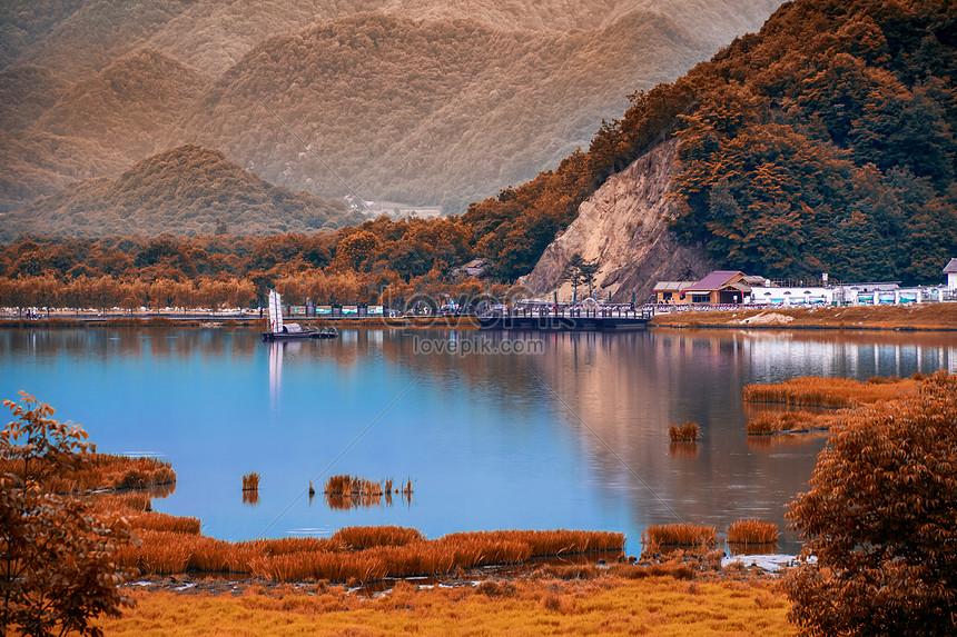 shennongjia dajiu بحيرة مشهد الخريف