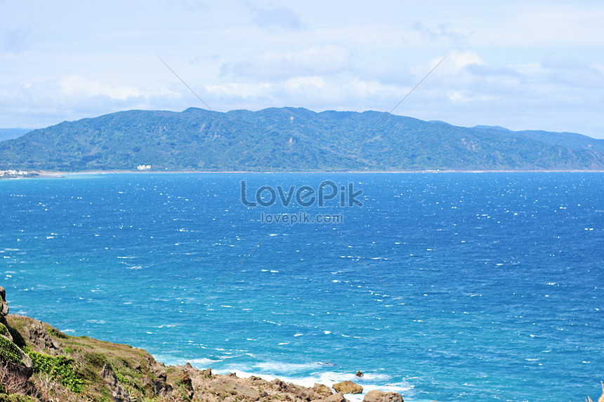 see the sea in kenting taiwan