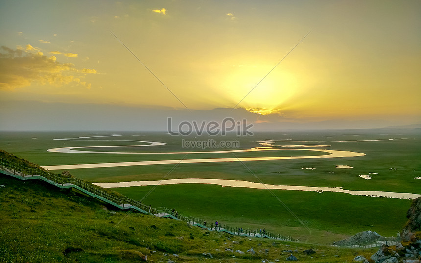 swan lake in eighteen bends nine areas of xinjiang