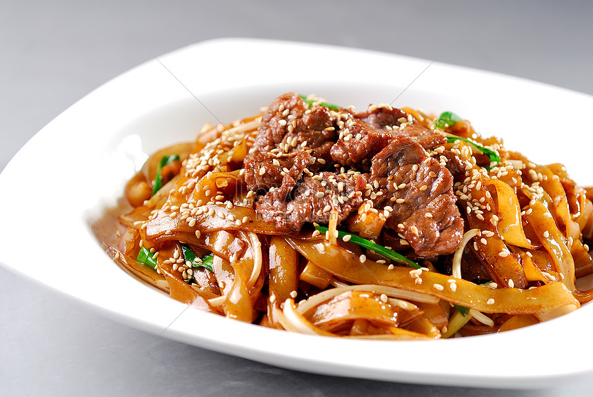 Stir Fried Rice Noodles With Beef Photo Image Picture Free Download 501210854 Lovepik Com