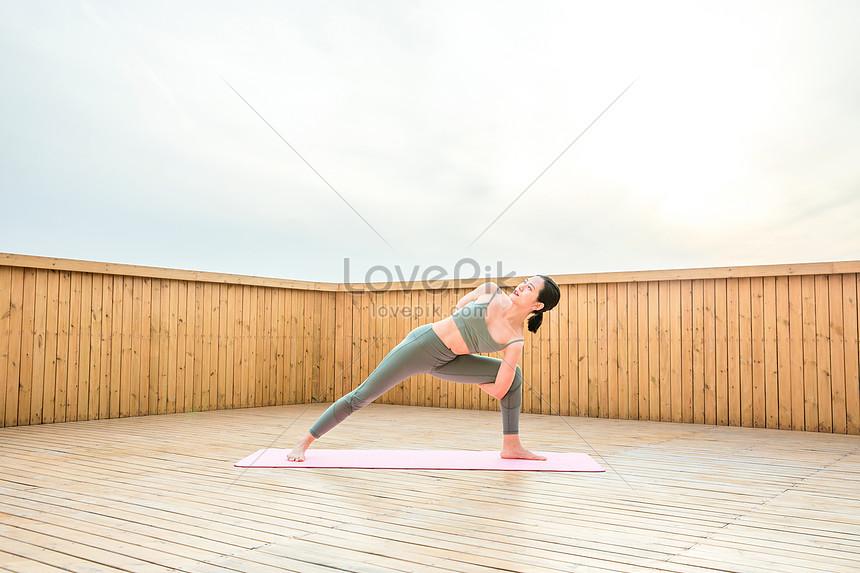female yoga bodybuilding action