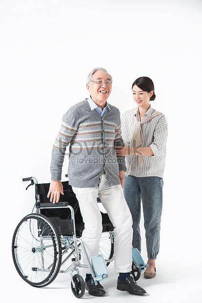 46+ Gambar Orang Pake Kursi Roda Gratis