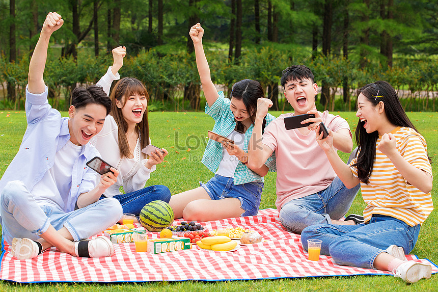 резво вошел студенческий пикник онлайн звездами все