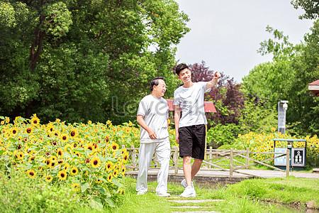 9700 Koleksi Gambar Kursi Di Taman Bunga Terbaru