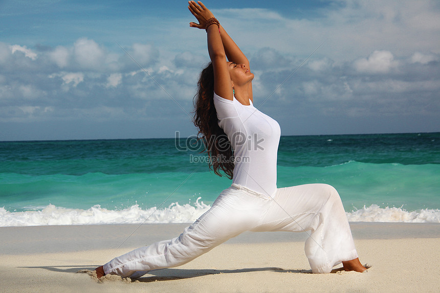 Doing Yoga On The Beach In Nassau Paradise Island Bahamas Photo Image Picture Free Download 501437579 Lovepik Com