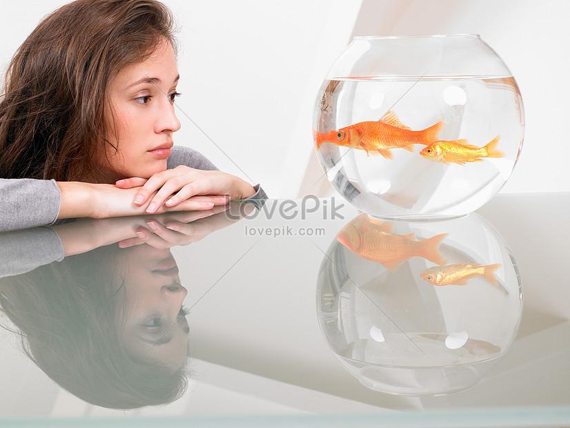 Картинки рыбка в ловушке