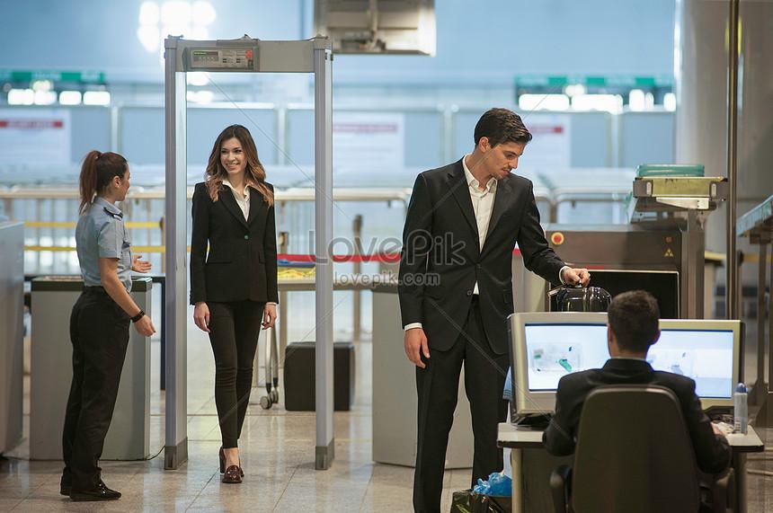 機場保安人員