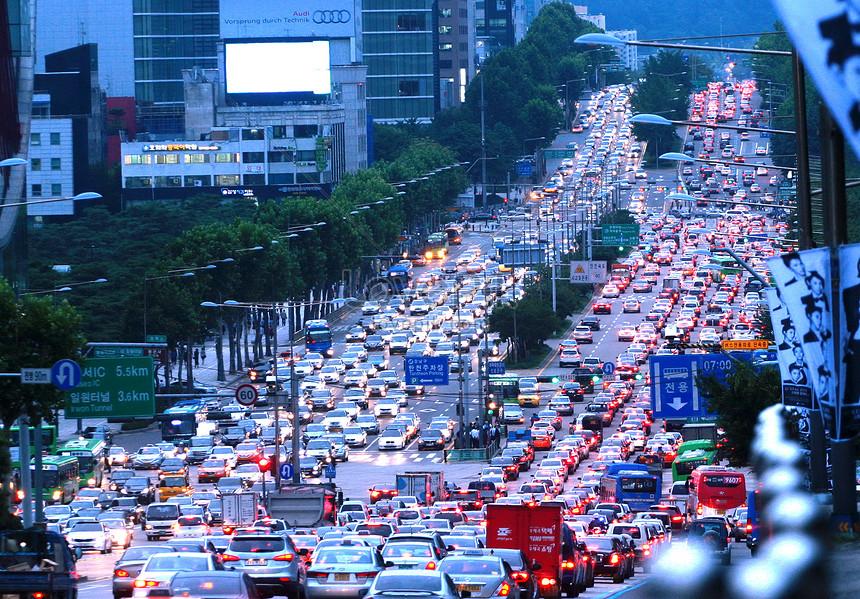 Traffic jam at dusk in seoul, south korea photo image_picture free download  501569403_lovepik.com