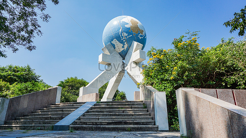 sign tower of tropic of cancer in shantou guangdong