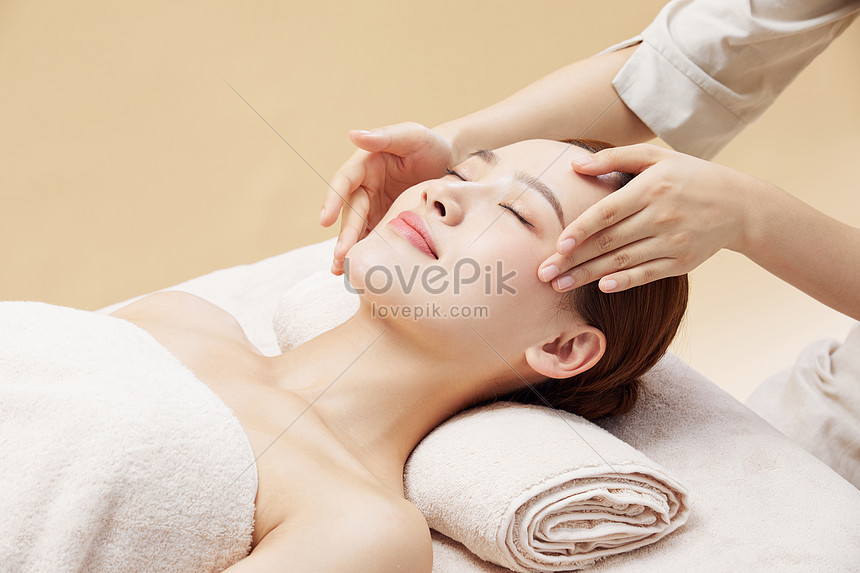 female health spa head massage