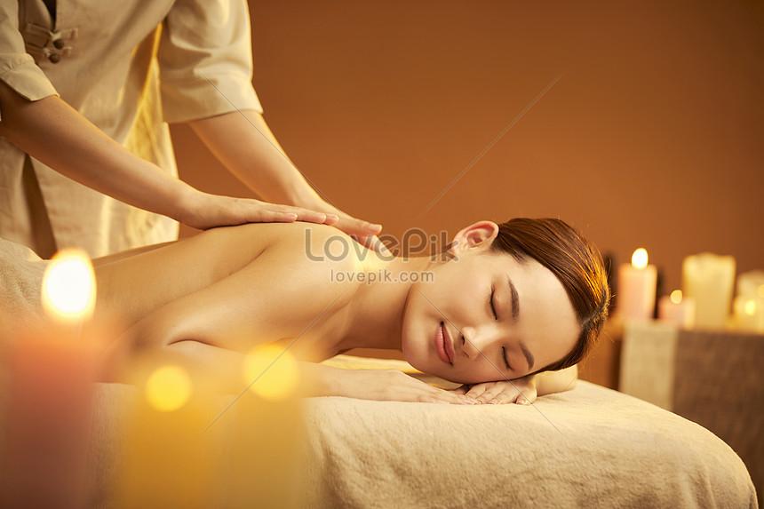 female spa back massage