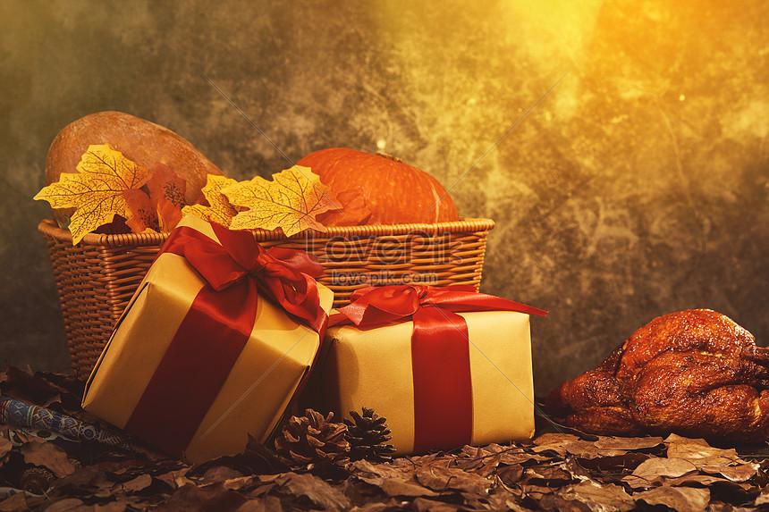 retro thanksgiving pumpkin gift box background